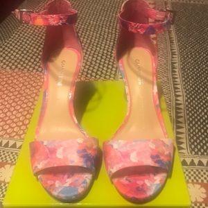 Pin, floral heels